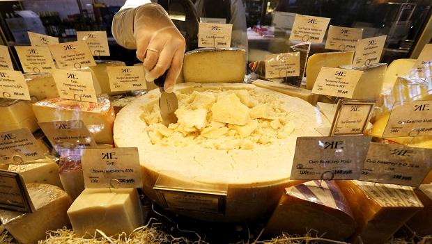 Импорт сыров в РФ рекордно обрушился