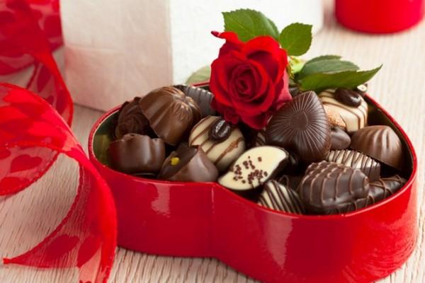 Avito: Россияне предпочли цветам шоколад на 14 февраля