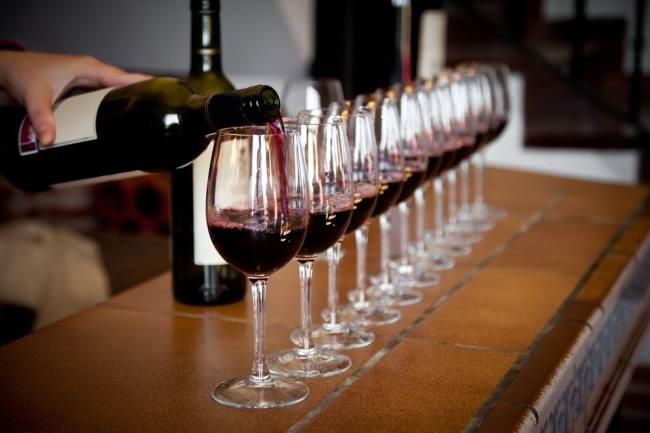 Без вина виноватые. специалисты - олишении импортеров вина льгот наакцизы