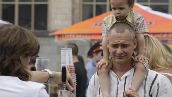 Минпромторг Российской Федерации позволит торговать спиртное около школ и клиник