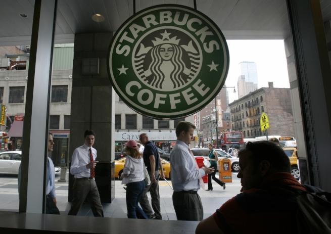 Сеть Starbucks в Японии начала продажу алкоголя