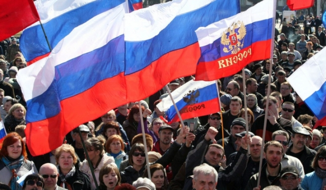 Большинство россиян стали позитивнее оценивать ситуацию в стране