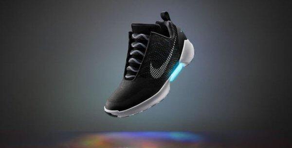 Nike выпустила кроссовки— как в кинофильме «Назад вбудущее» в реализацию