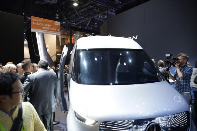 Merсedes-Benz представил микроавтобус для хранения товаров