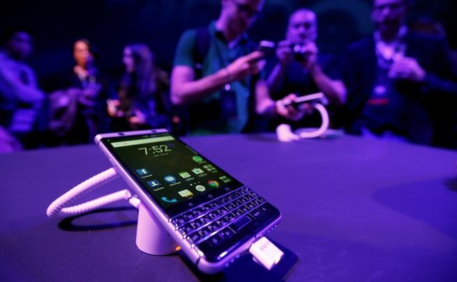 Смартфон BlackBerry KEYone выходит в Российской Федерации