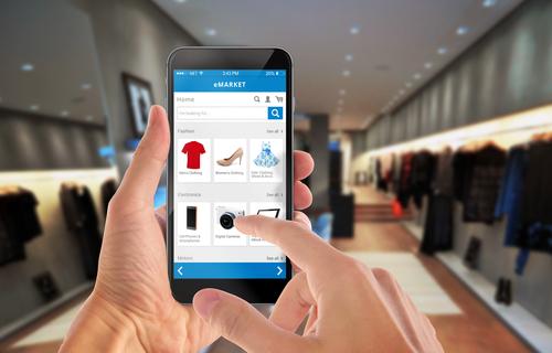 У44% граждан России есть опыт закупок смобильного устройства