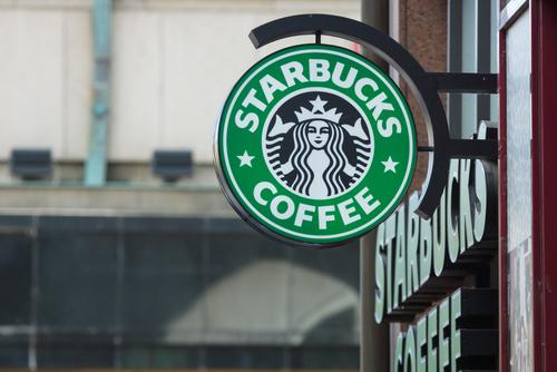 Starbucks не будет продавать алкоголь