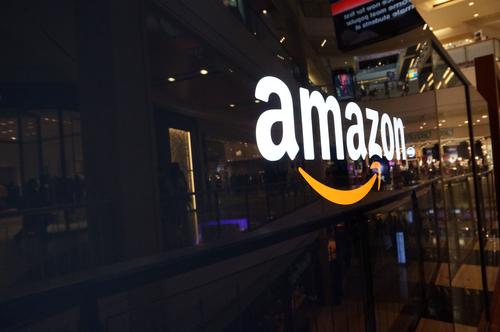 Amazon приподнимает цены вРФ