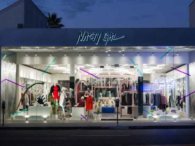 Nasty Gal объявил о закрытии магазинов