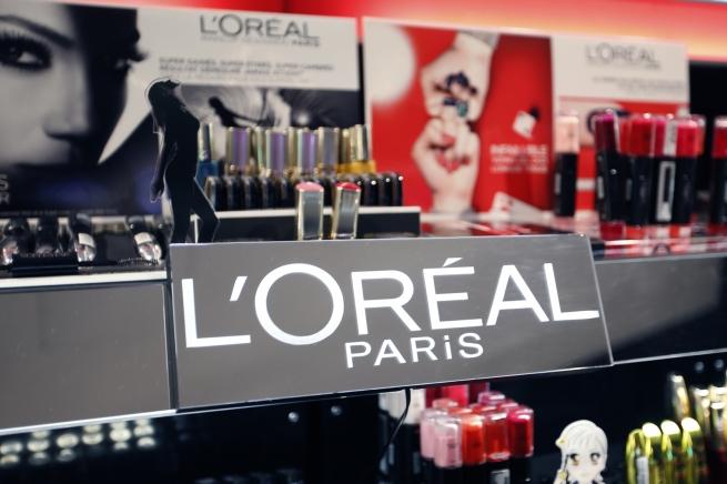 L'Oreal приобретет три косметических бренда