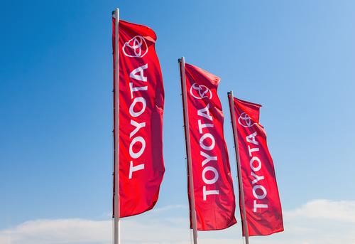 Тойота в Америке отзывает 744 тысячи авто Sienna