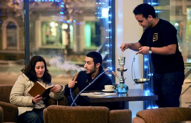 Минздрав предлагать запретить курить кальян в кафе