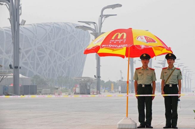 McDonald's иМеждународный олимпийский комитет решили закончить сотрудничество