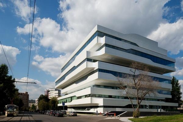 Группа «Cафмар» выставила на реализацию московский бизнес-центр попроекту Захи Хадид