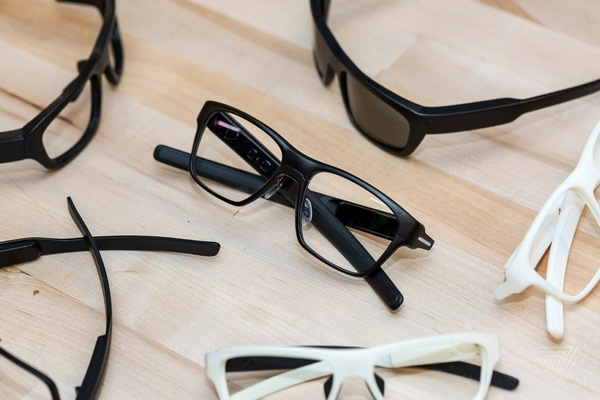 Новый соперник Google Glass: Intel тестирует собственные смарт-очки Vaunt
