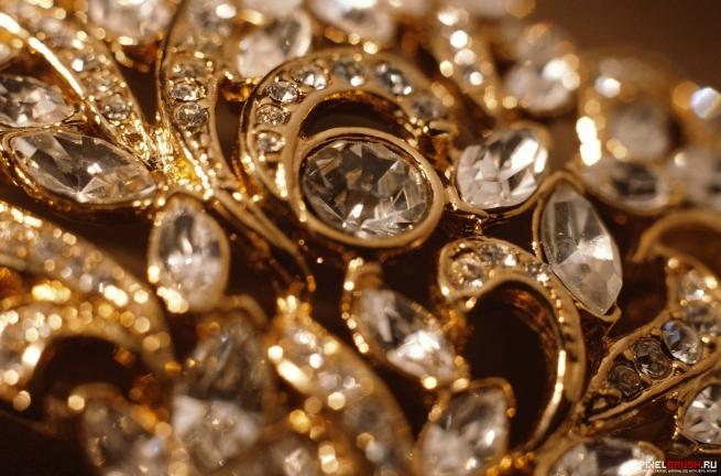 В РФ разрешат интернет-торговлю драгоценностями