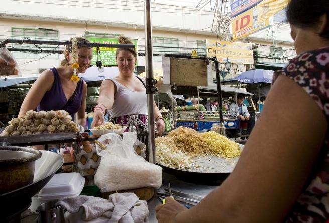 Бангкок останется без знаменитой уличной еды