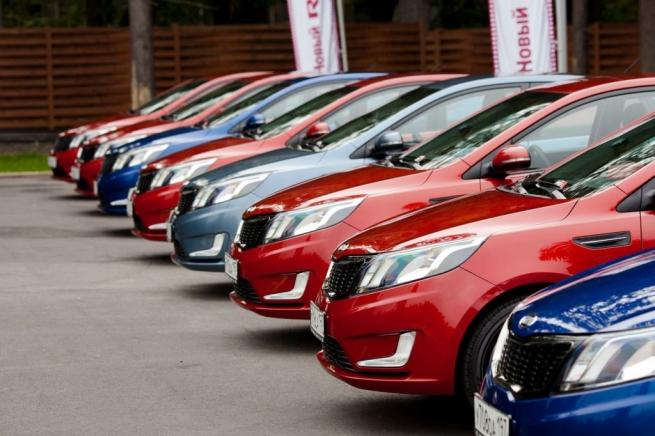 Названа самая дешевая марка авто в РФ