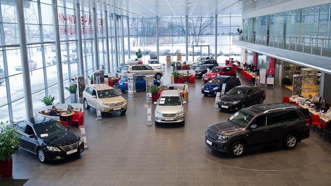Российская Федерация желает вынудить автоконцерны открывать сервисные центры вКрыму