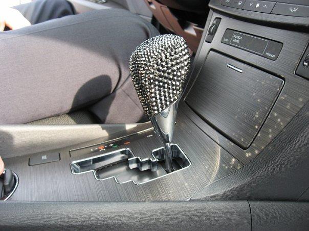 Как украсить салон авто