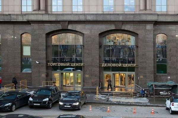 ВЭБ хочет продать ТЦ «Новинский пассаж» и «Цветной» - New Retail 017ea1a07b4