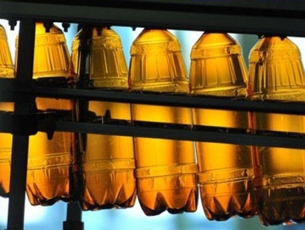 Пластиковые бутылки для пива пока не будут уменьшать до 0,5 л