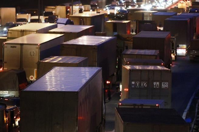 Пропуски для грузовиков внутрь МКАД теперь оформляются только через интернет