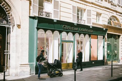 Christian Louboutin выходит нарынок парфюмерии