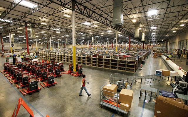 Ритейлеров обяжут отчитываться об остатках продуктов на складах
