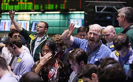 Топ-5 главных экономических новостей дня: валютная паника, виражи Центробанка и выкуп России