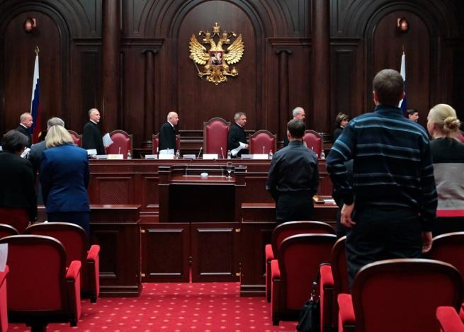 Россияне смогут возращать покупки в интернет-магазины через суд