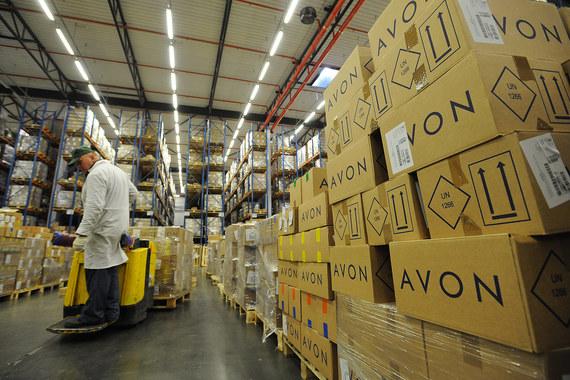 Во II квартале выручка Avon в России упала на 7%