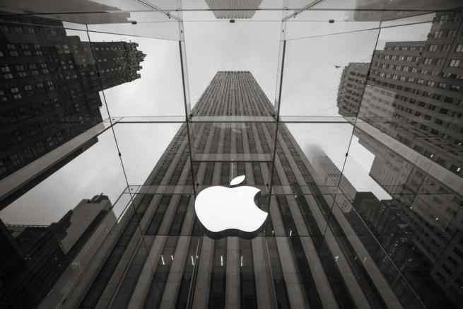 Apple установила стоячие рабочие места для всех сотрудников штаб-квартиры
