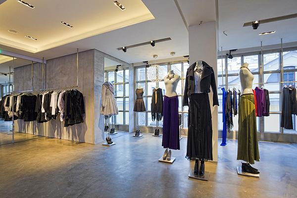 Aizel.ru: Спрос на бренды в сегменте люкс вырос на 81% с начала года