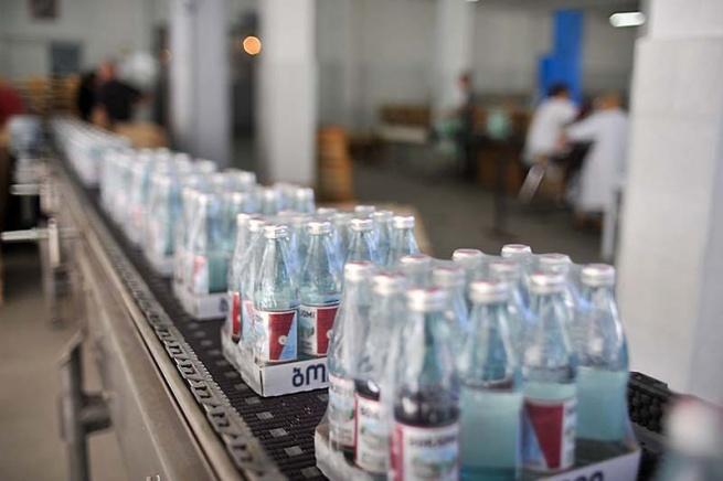 «Азбука Вкуса» начала параллельный импорт «Боржоми»