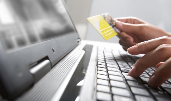 Онлайн-магазины переходят на готовые платежные решения