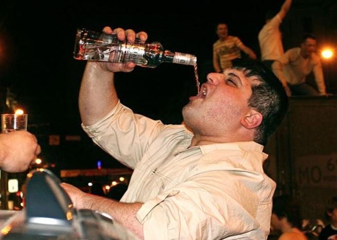 Россияне тратят на алкоголь не больше всех в мире