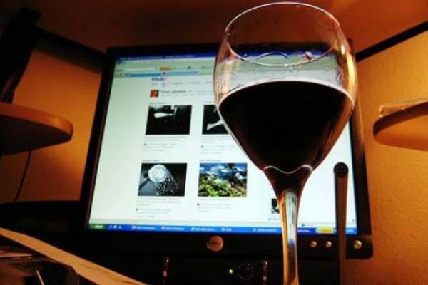 В России могут ввести ответственность за продажу алкоголя в интернете