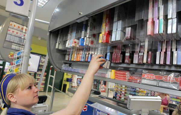 Сигареты в России снова подорожали