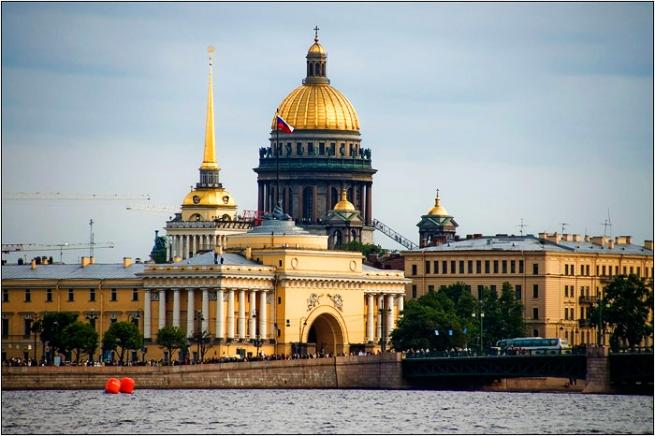 Петербург стал шестым по обеспеченности торговыми площадями