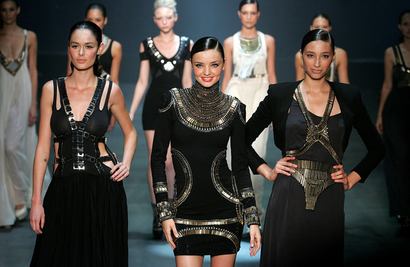 Fashion-компании возмутились из-за запрета на слишком худых моделей