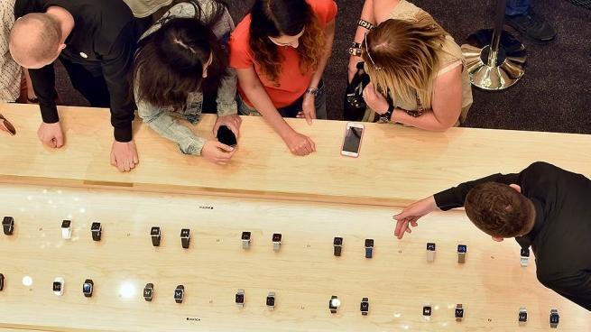 Apple Watch приравняли к обычным наручным часам