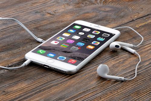 ФАС возбудит дело в отношении ритейлеров по признакам сговора при продаже iPhone