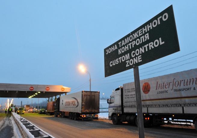 С Литвы сняли усиленный таможенный контроль