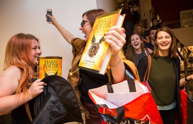 Восьмая книга о Гарри Поттере поступила в продажу