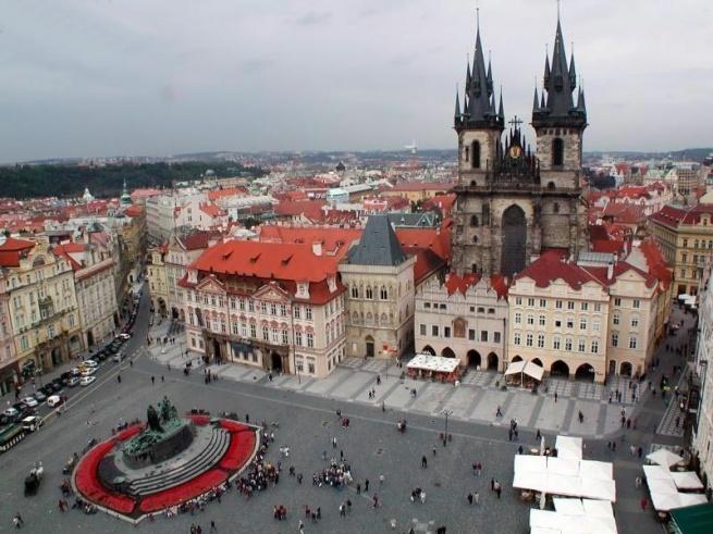 Жители Чехии идут в интернет за подарками