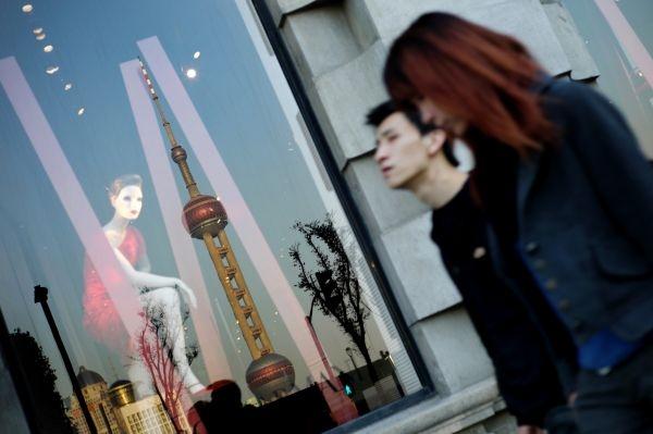 Люксовые бренды покидают самую дорогую торговую улицу в Китае