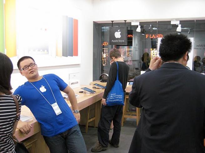 Apple откроет 40 фирменных магазинов в Китае