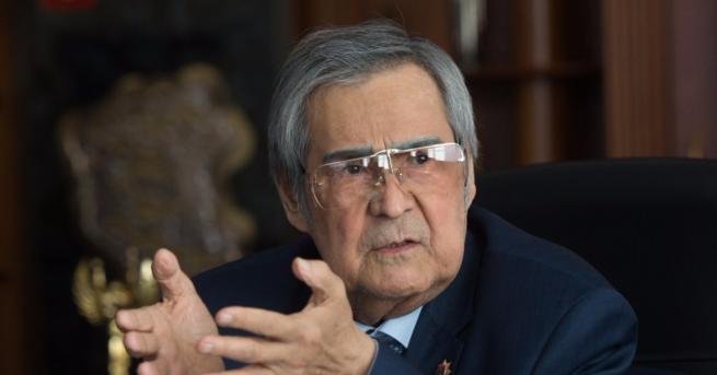 Тулеев объявил об отставке после пожара в ТЦ «Зимняя вишня»