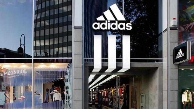 Мировой ритейл: Adidas судит всех подряд, а Apple перестала бесплатно чинить iPhone
